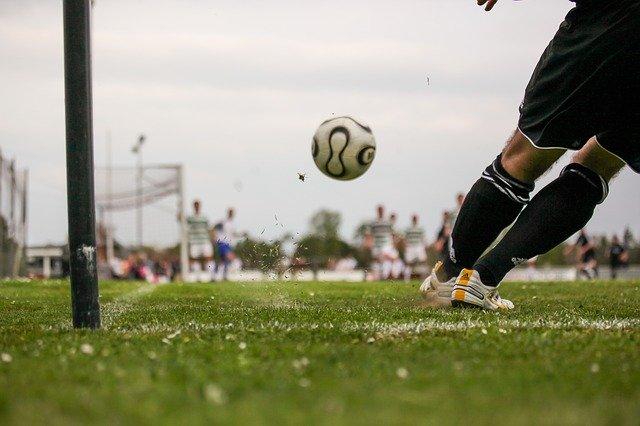 football-1678992_640